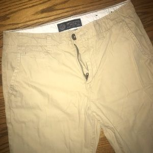 American Eagle 32x34 original straight khakis